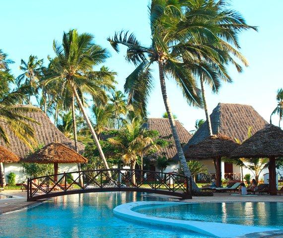 Uroa bay beach resort offerte vacanze last minute for Piccoli piani bungalow